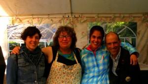 Lorena, Espe y Santiago junto a Mary Clear