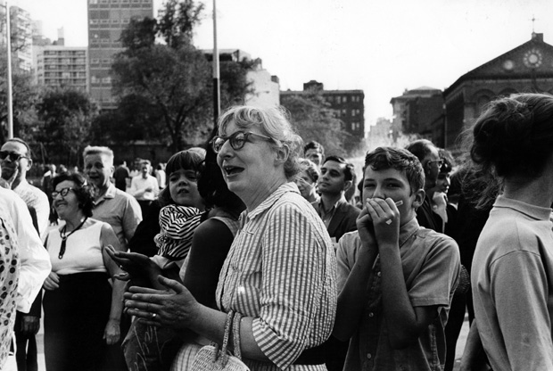 Jane-Jacobs-in-Washington-Square-Park-1963-Fred-W.-McDarrahGetty-Images